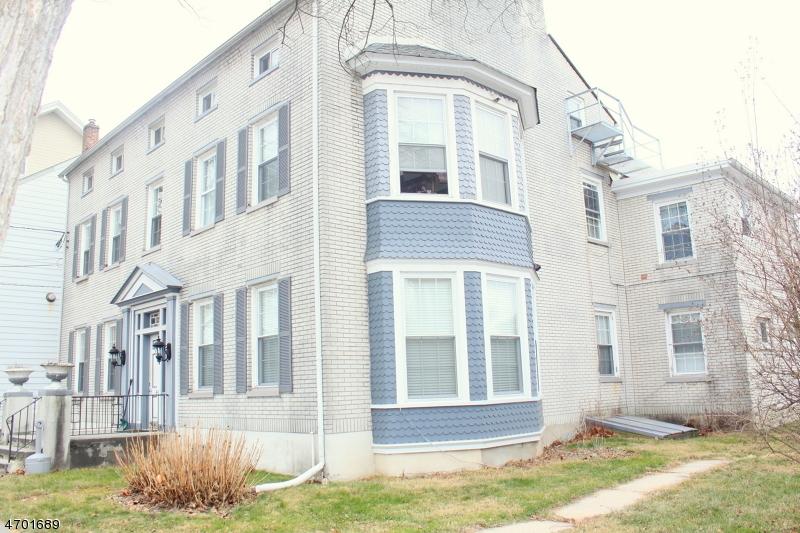 Casa Unifamiliar por un Alquiler en 420 Front Street - Apt 6 Belvidere, Nueva Jersey 07823 Estados Unidos