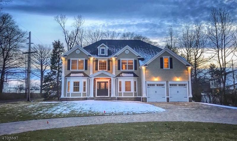 独户住宅 为 销售 在 78 Evergreen Avenue 斯普林菲尔德, 新泽西州 07081 美国