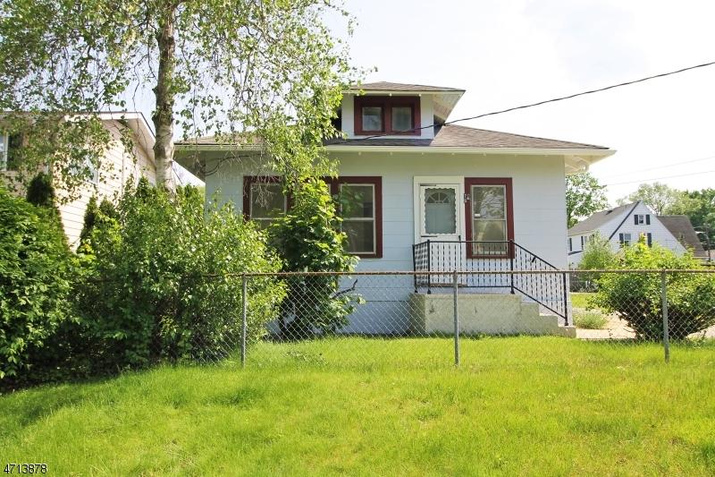 Частный односемейный дом для того Продажа на 76 S 1st Avenue Kenvil, Нью-Джерси 07847 Соединенные Штаты