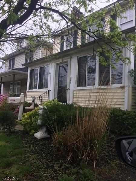 Частный односемейный дом для того Продажа на 209 Broadway Keyport, Нью-Джерси 07735 Соединенные Штаты