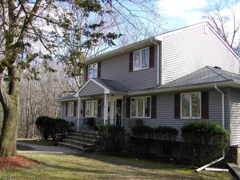 Частный односемейный дом для того Аренда на 9 Fern Place Ringwood, Нью-Джерси 07456 Соединенные Штаты