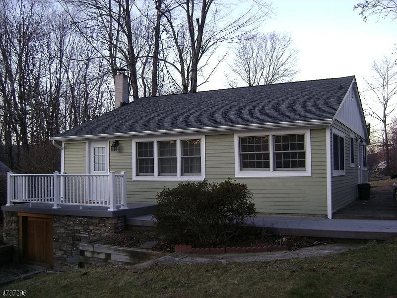 Casa Unifamiliar por un Alquiler en 21 Phillips Road West Milford, Nueva Jersey 07421 Estados Unidos