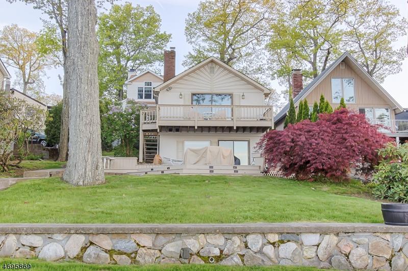Enfamiljshus för Försäljning vid 121 Maxim Drive Hopatcong, New Jersey 07843 Usa