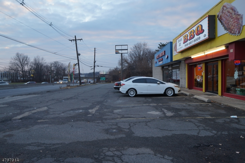 商用 为 销售 在 1605 US-22 W Union, 新泽西州 07083 美国