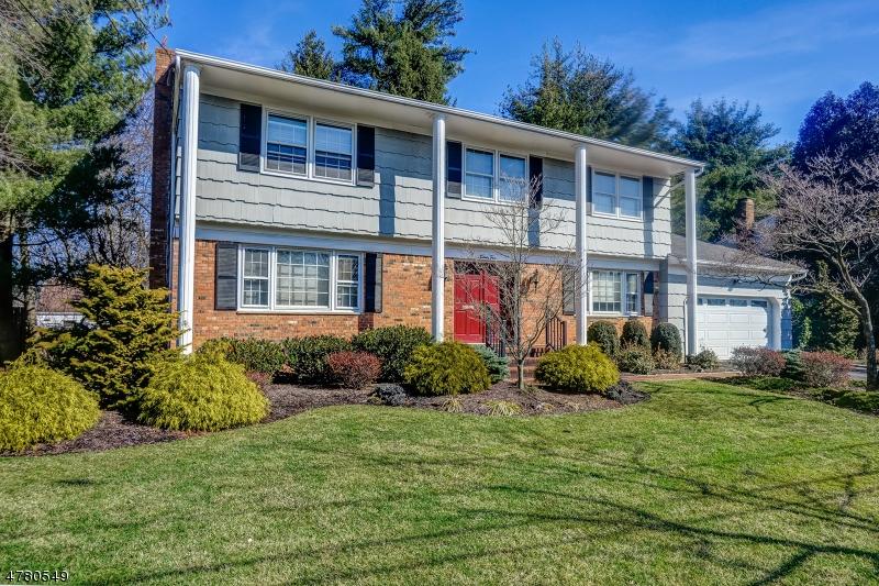 Casa Unifamiliar por un Venta en 24 Golf Oval Springfield, Nueva Jersey 07081 Estados Unidos