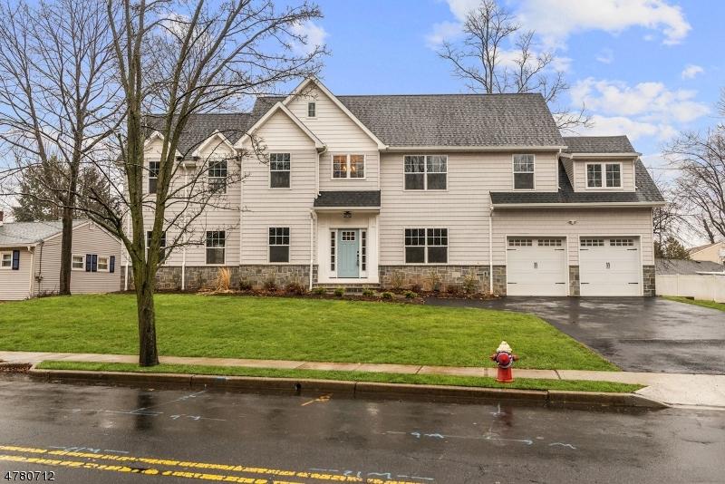 Maison unifamiliale pour l Vente à 260 Main Street Emerson, New Jersey 07630 États-Unis