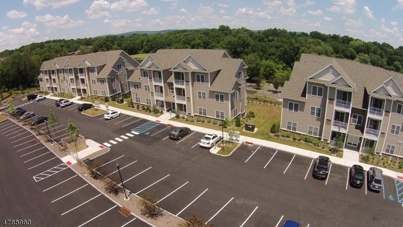 Частный односемейный дом для того Аренда на 48 Park Drive Clinton, Нью-Джерси 08809 Соединенные Штаты