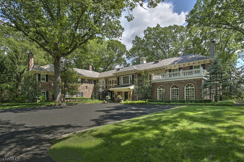 Single Family Home for Sale at 2 Oak Forest Lane Mendham, New Jersey 07945 United States