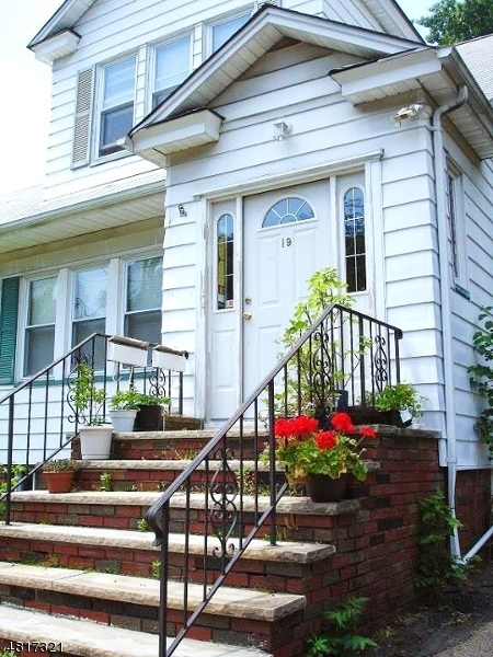 Casa Unifamiliar por un Alquiler en 19 FERNWOOD Road Maplewood, Nueva Jersey 07040 Estados Unidos