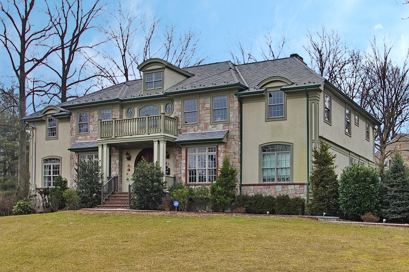 Single Family Home for Sale at 24 BARCHESTER WAY 24 BARCHESTER WAY Westfield, New Jersey 07090 United States