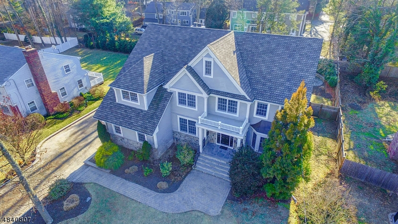 Single Family Home for Sale at 774 KNOLLWOOD TERRACE 774 KNOLLWOOD TERRACE Westfield, New Jersey 07090 United States
