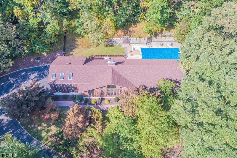 Maison unifamiliale pour l Vente à 1735 MIDDLEBROOK Road Bridgewater, New Jersey 08805 États-Unis