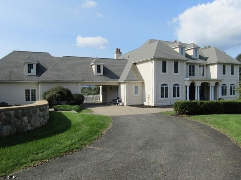 Villa per Vendita alle ore 33 Pierce Andover, New Jersey 07848 Stati Uniti