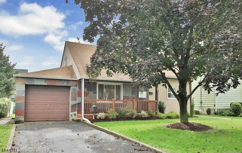 Single Family Home for Sale at 174 MT PLEASANT AVE 174 MT PLEASANT AVE Wallington, New Jersey 07057 United States