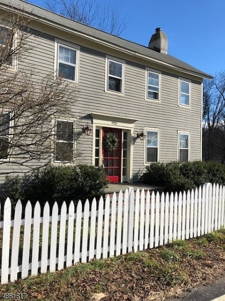 Property 為 出售 在 925 MAIN Street Stillwater, 新澤西州 07860 美國