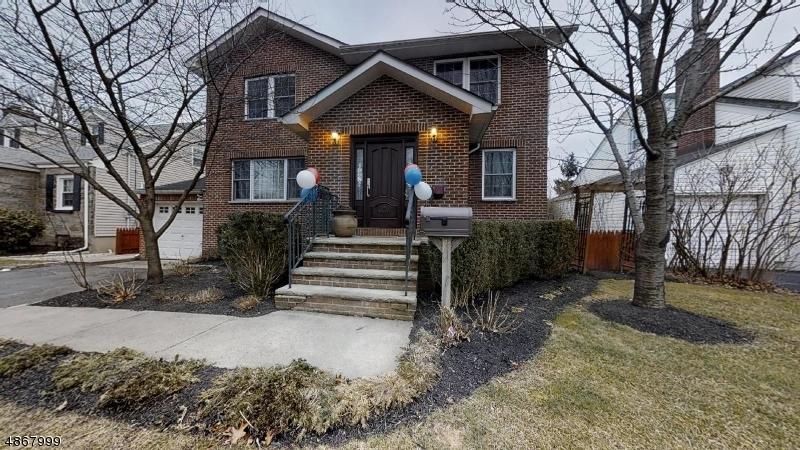 Частный односемейный дом для того Продажа на 369 MARTIN Road Union, Нью-Джерси 07083 Соединенные Штаты