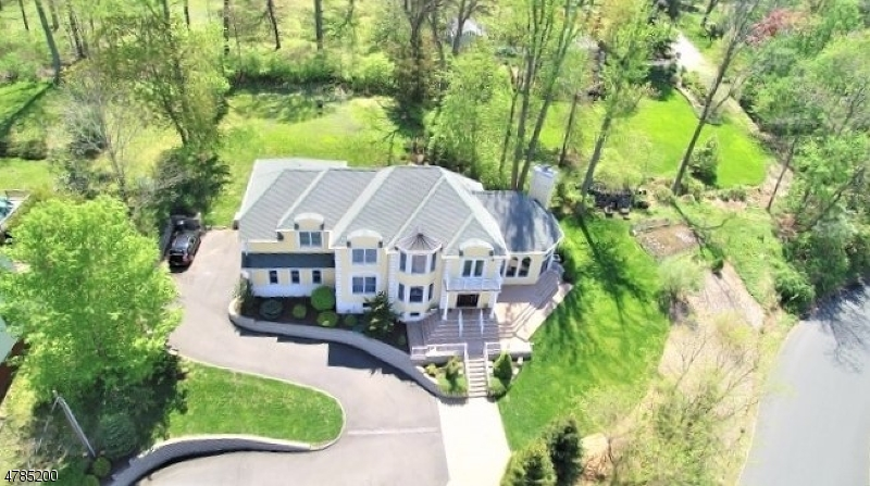 Single Family Home for Sale at 213 LONGVIEW TER Long Hill, New Jersey 07933 United States