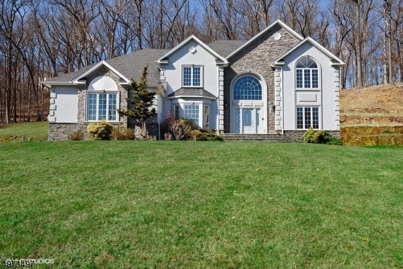 Single Family Homes 为 销售 在 Address Not Available Parsippany, 新泽西州 07950 美国