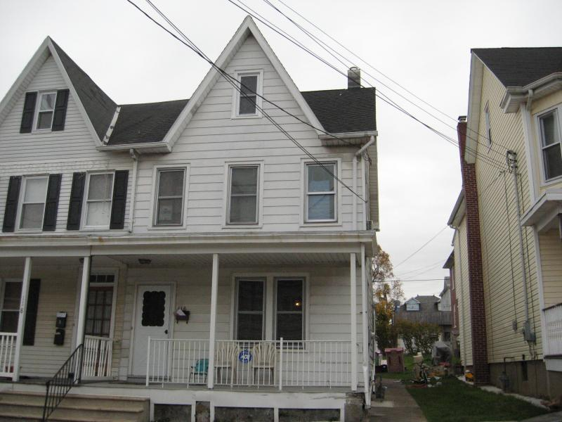 Single Family Home for Sale at 116 Bullman Street Phillipsburg, New Jersey 08865 United States