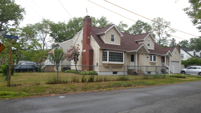 Additional photo for property listing at 1 Alexander Avenue  Haskell, New Jersey 07420 États-Unis