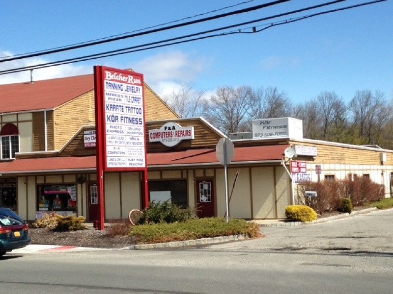 Commercial pour l Vente à 1594-B Union Valley Road West Milford, New Jersey 07480 États-Unis
