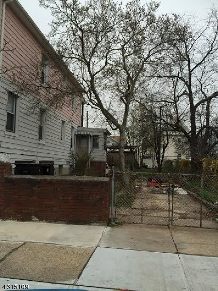 Casa Multifamiliar por un Venta en 210-212 NILES Street Elizabeth, Nueva Jersey 07202 Estados Unidos