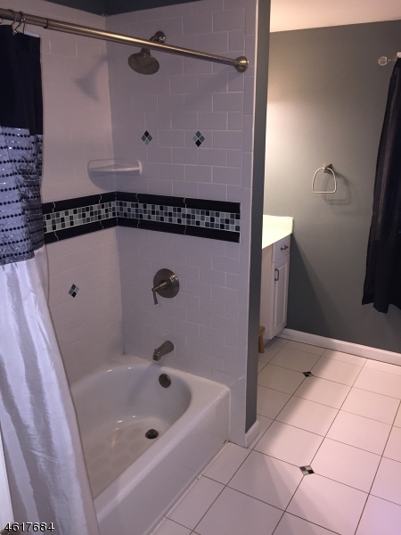Additional photo for property listing at Address Not Available  哈克特斯镇, 新泽西州 07840 美国