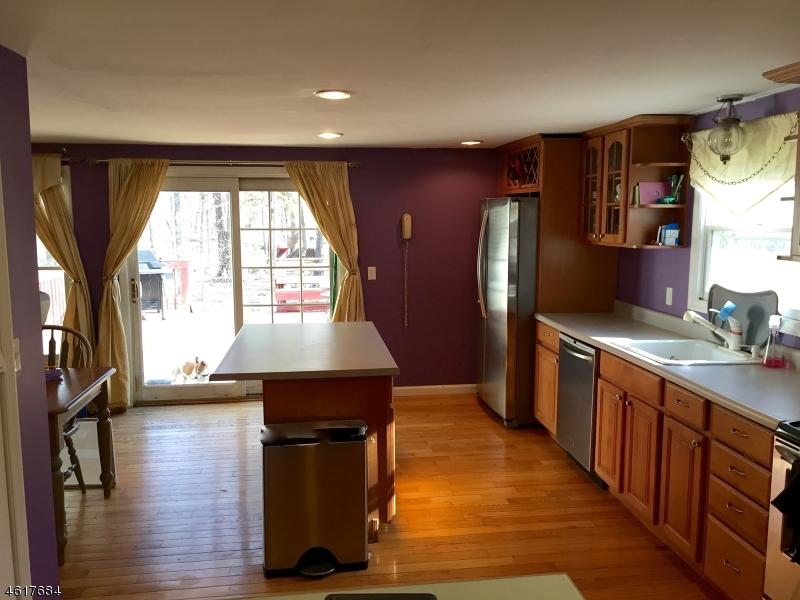 独户住宅 为 销售 在 Address Not Available 哈克特斯镇, 新泽西州 07840 美国