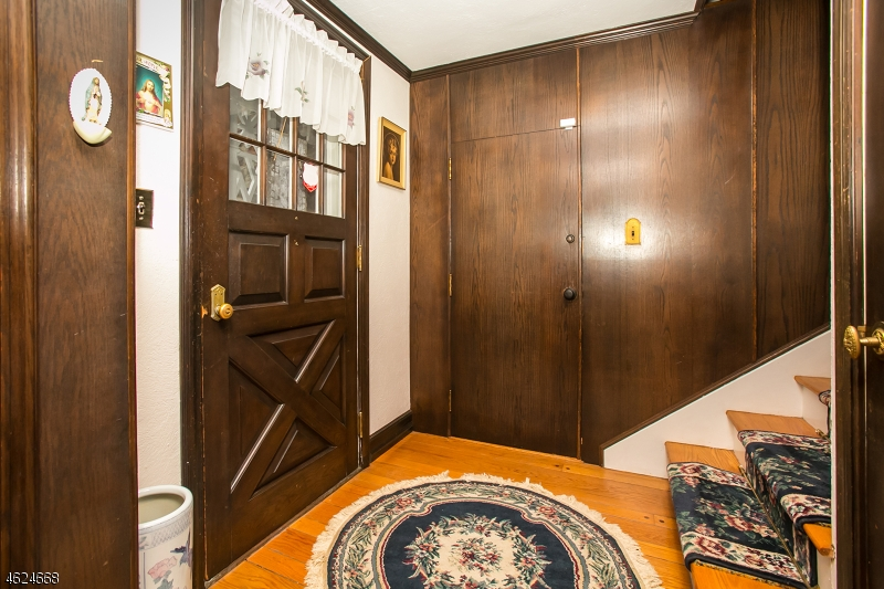 Additional photo for property listing at 1299 Mount Horeb Road  Martinsville, New Jersey 08836 États-Unis