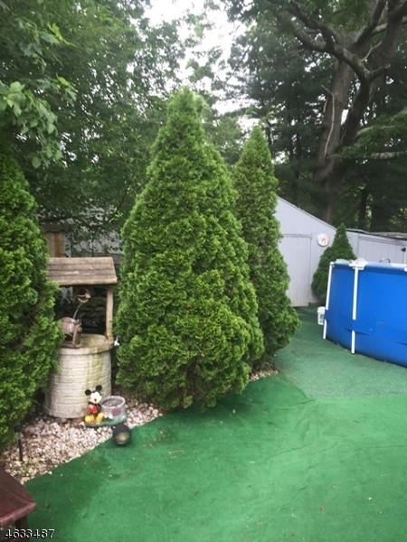 Additional photo for property listing at 32 Lakeside Avenue  Haskell, New Jersey 07420 United States