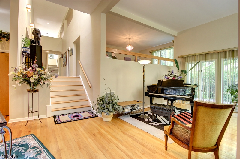Additional photo for property listing at 41 Carteret Road  Allendale, New Jersey 07401 United States