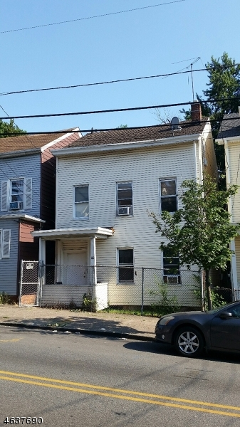Additional photo for property listing at 102 Lafayette Street  Paterson, Nueva Jersey 07501 Estados Unidos