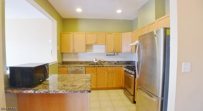 Частный односемейный дом для того Аренда на 370 Summerhill Drive Morris Plains, 07950 Соединенные Штаты