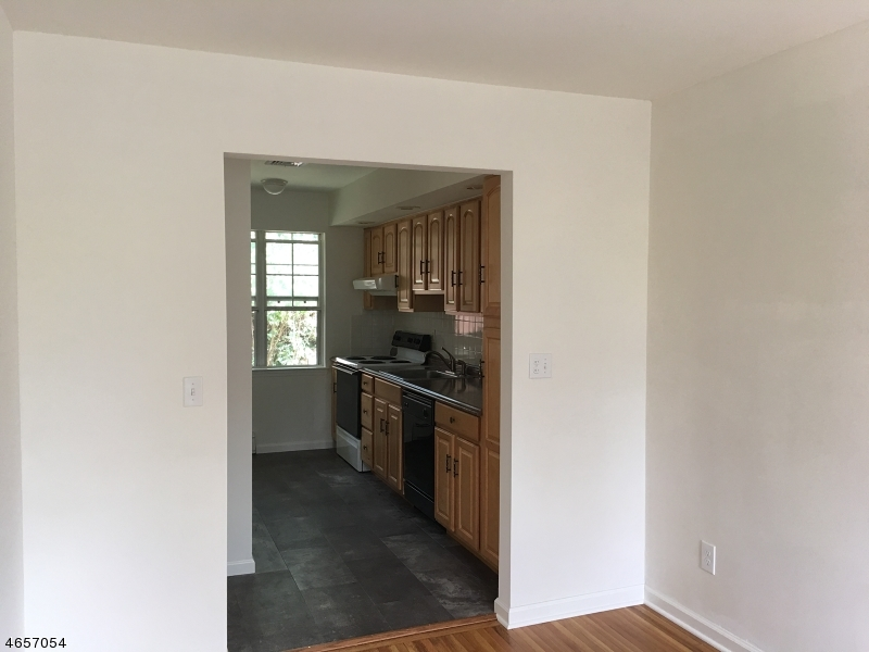 Additional photo for property listing at 1 Sandra Lane  Bloomingdale, New Jersey 07403 United States