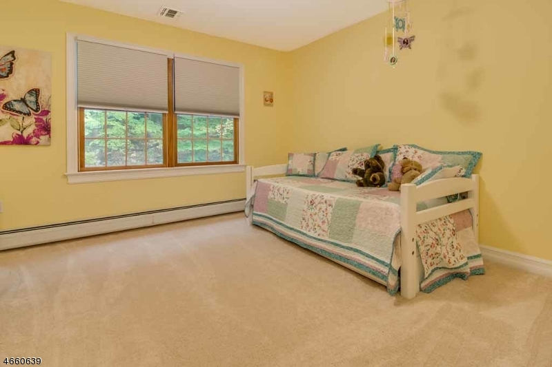 Additional photo for property listing at 20 Jones Lane  Washington, Nueva Jersey 07853 Estados Unidos