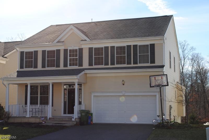 Casa Unifamiliar por un Alquiler en 16 Carriage Road Hackettstown, Nueva Jersey 07840 Estados Unidos