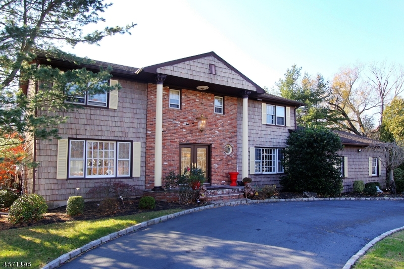 Single Family Home for Sale at 5 Unami Lane Scotch Plains, 07076 United States