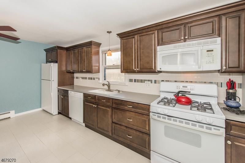 独户住宅 为 出租 在 208 May Street 霍桑, 新泽西州 07506 美国