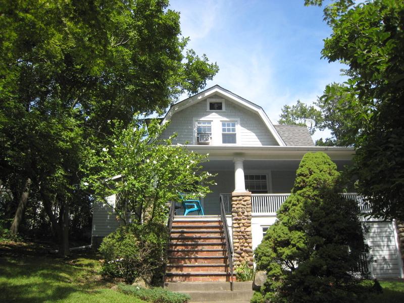 Частный односемейный дом для того Аренда на 256 Bloomfield Avenue Verona, Нью-Джерси 07044 Соединенные Штаты