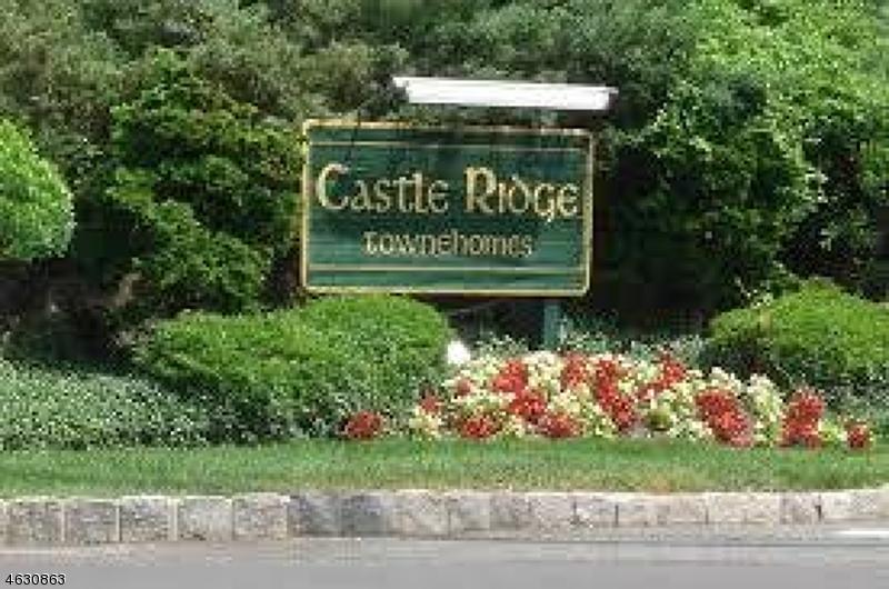 Casa Unifamiliar por un Alquiler en 43 Castle Ridge Drive East Hanover, Nueva Jersey 07936 Estados Unidos