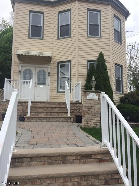 Casa Unifamiliar por un Alquiler en 16 Offord Street Passaic, Nueva Jersey 07055 Estados Unidos