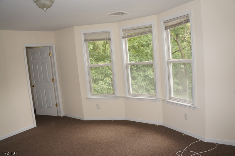 Additional photo for property listing at 71 Dunnell Road  Maplewood, Nueva Jersey 07040 Estados Unidos