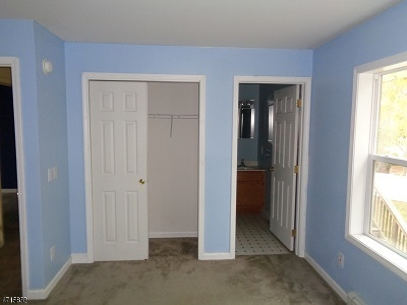 Additional photo for property listing at 404 Lyndale Street  Phillipsburg, New Jersey 08865 États-Unis