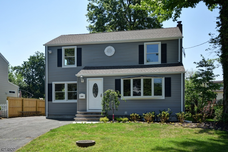 Single Family Home for Sale at 239 Boulevard Kenilworth, New Jersey 07033 United States