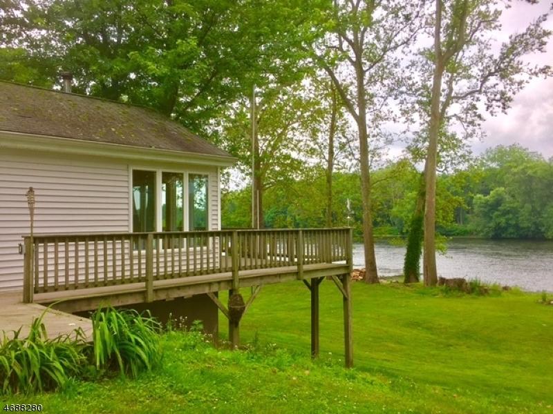 Casa Unifamiliar por un Venta en 38 Riverview Avenue Columbia, Nueva Jersey 07832 Estados Unidos