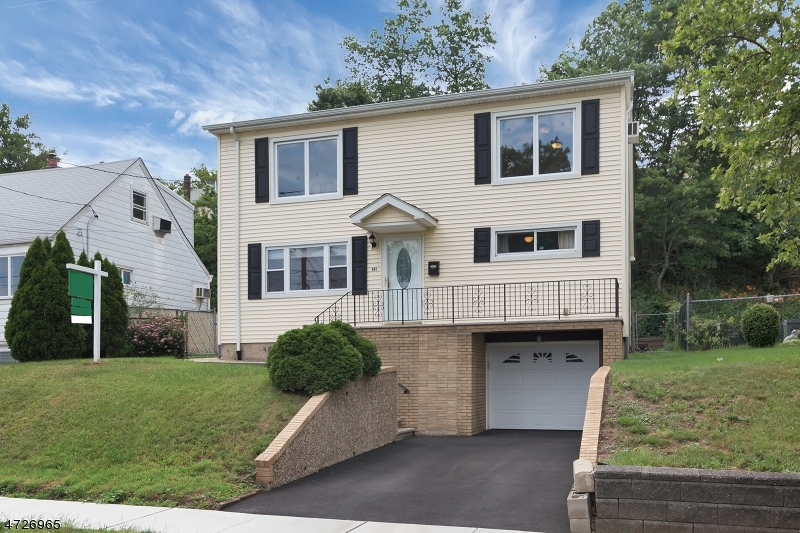 Single Family Home for Sale at 141 Hickory Street Kearny, New Jersey 07032 United States