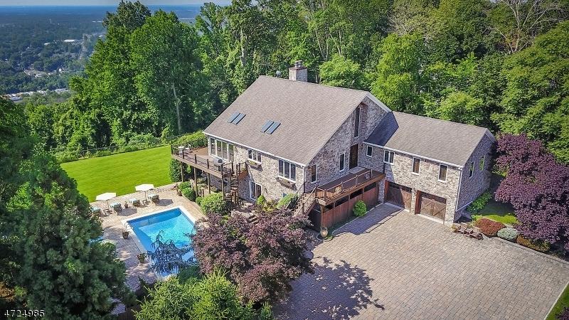 Maison unifamiliale pour l Vente à 27 Scheurman Terrace Green Brook Township, New Jersey 07059 États-Unis