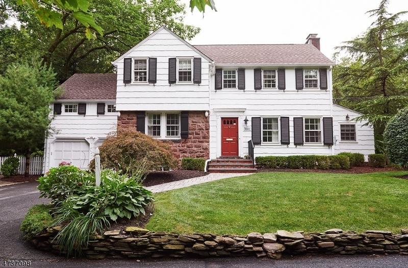 Частный односемейный дом для того Продажа на 29 Brookside Road Maplewood, 07040 Соединенные Штаты