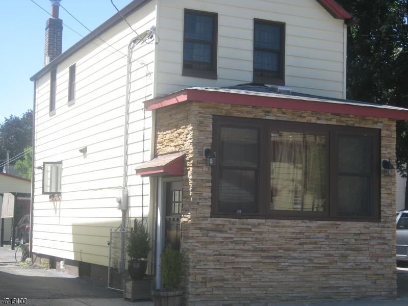 Частный односемейный дом для того Аренда на 15 Acme Street Belleville, Нью-Джерси 07109 Соединенные Штаты