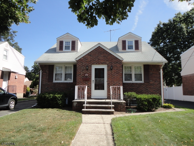 Single Family Home for Sale at 102 W Oldis Street Rochelle Park, New Jersey 07662 United States